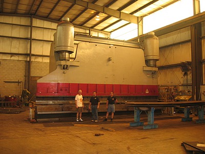 2000_Ton_Press_Brake_With_30_Ft_Bed